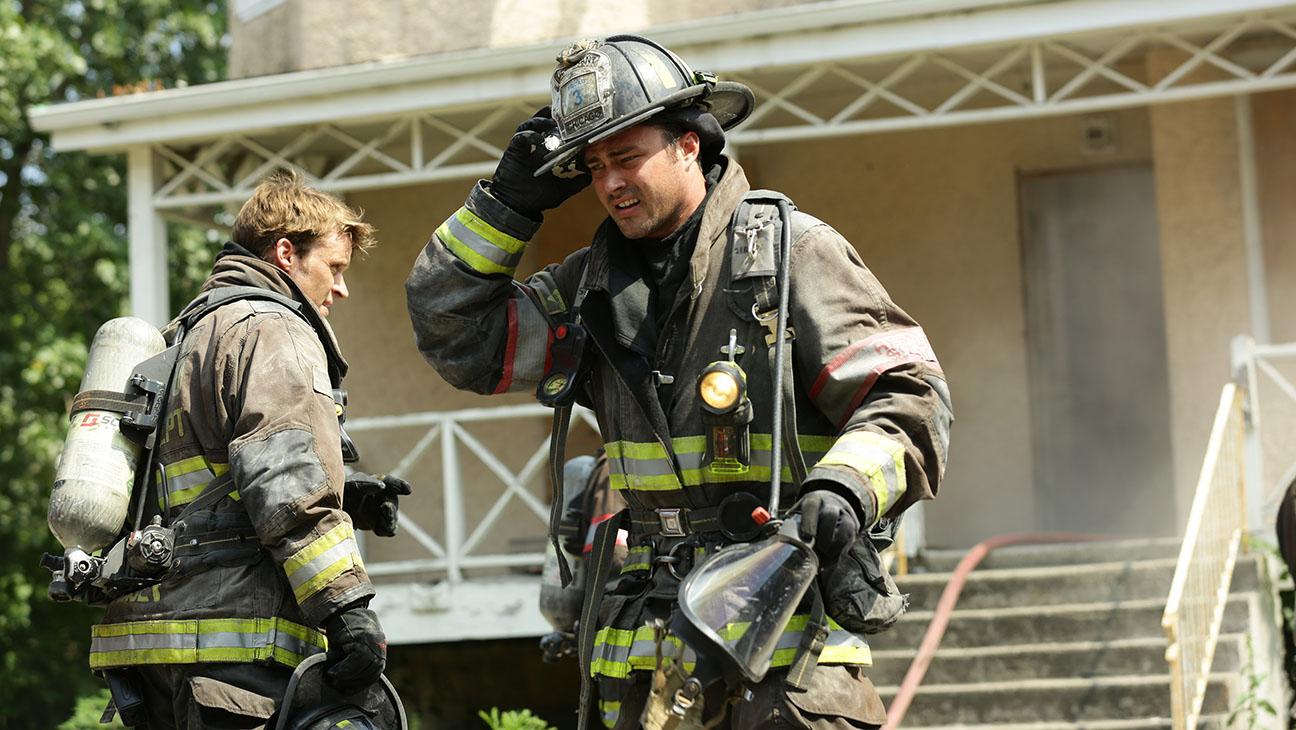 Chicago Fire S04E01 Still - H 2015
