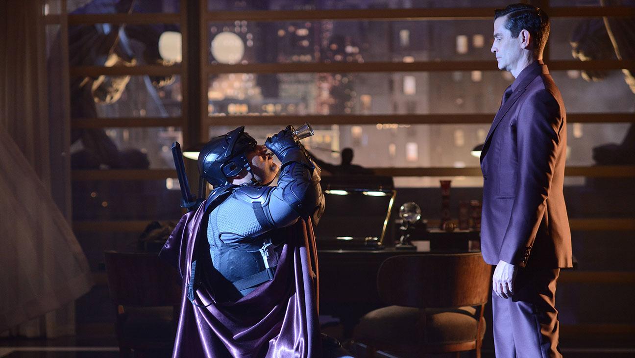 Gotham S02E01 Still - H 2015