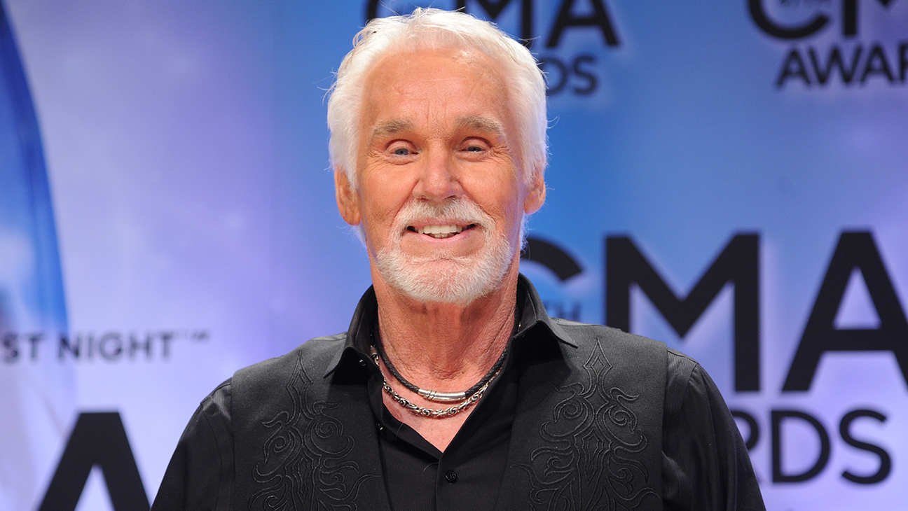 Kenny Rogers Grammy Winning Singer And Actor Dies At 81 Hollywood Reporter