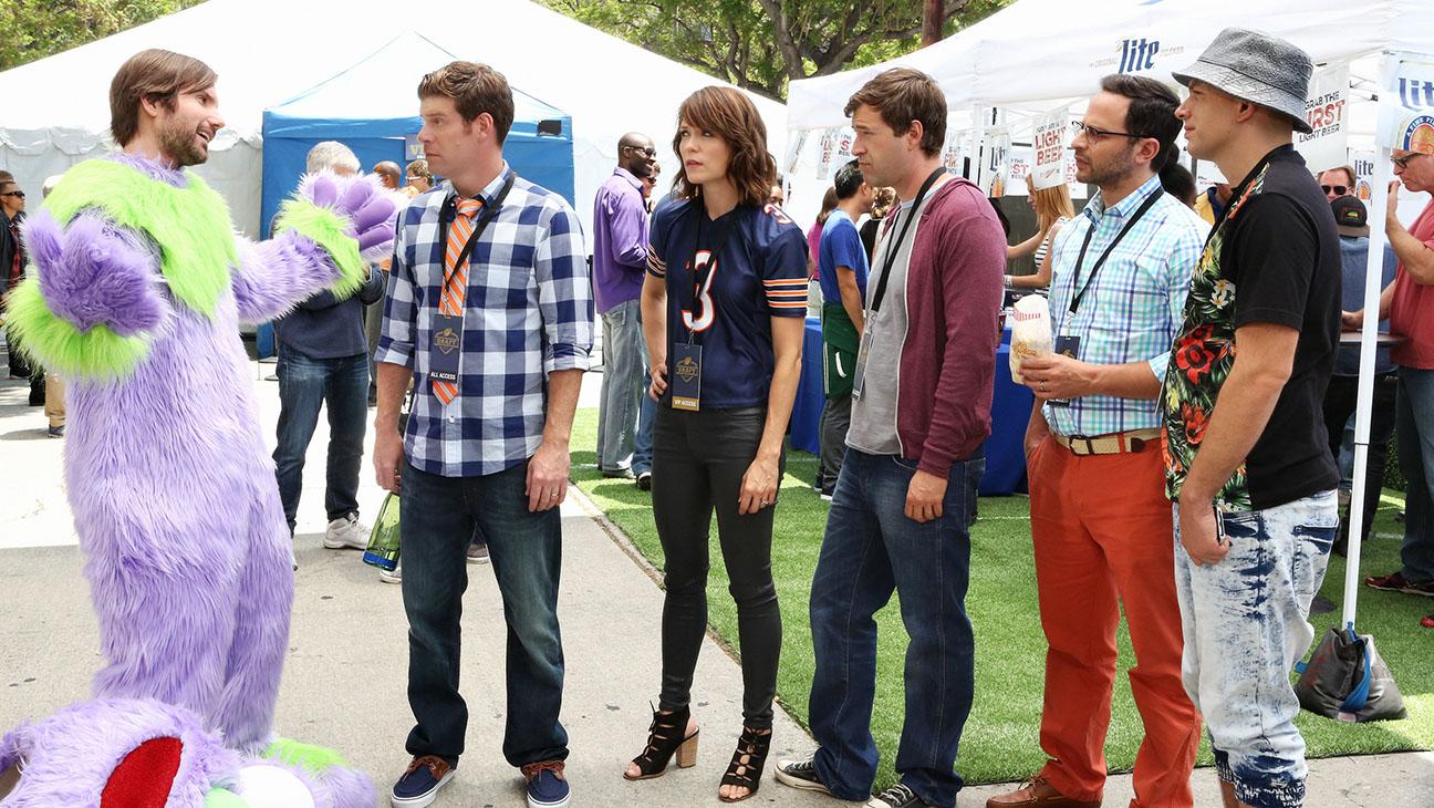 The League S07E01 Still - H 2015