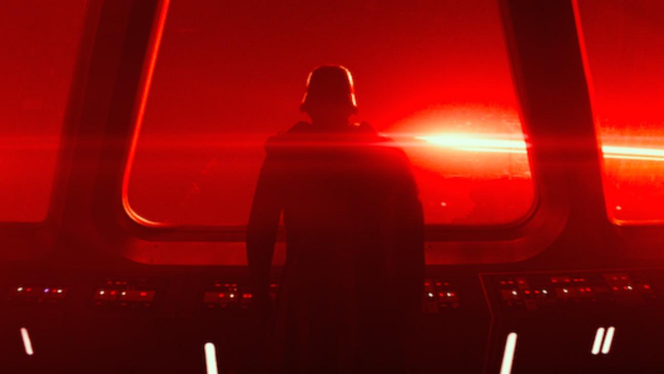 Star Wars Force Awakens Final Trailer Still 2 - H 2015