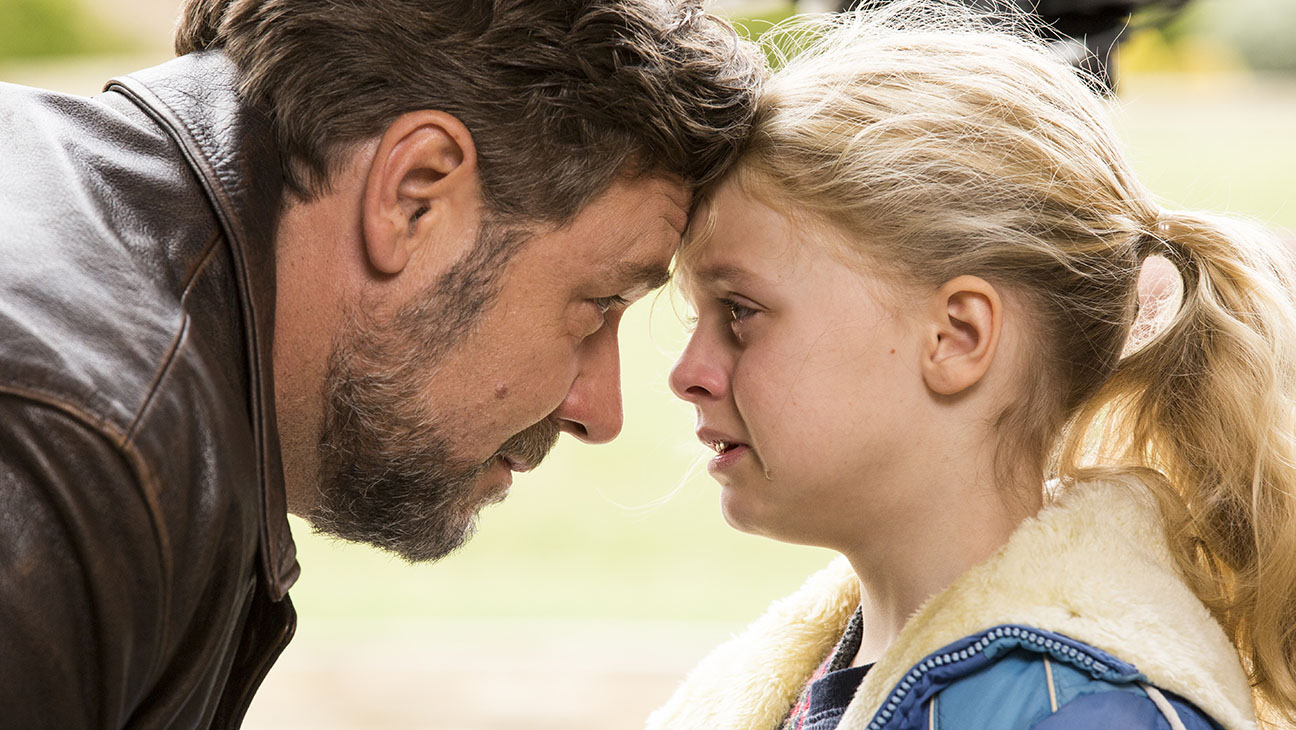 PADRI E FIGLIE Fathers and Daughters  Still 1 - H 2015