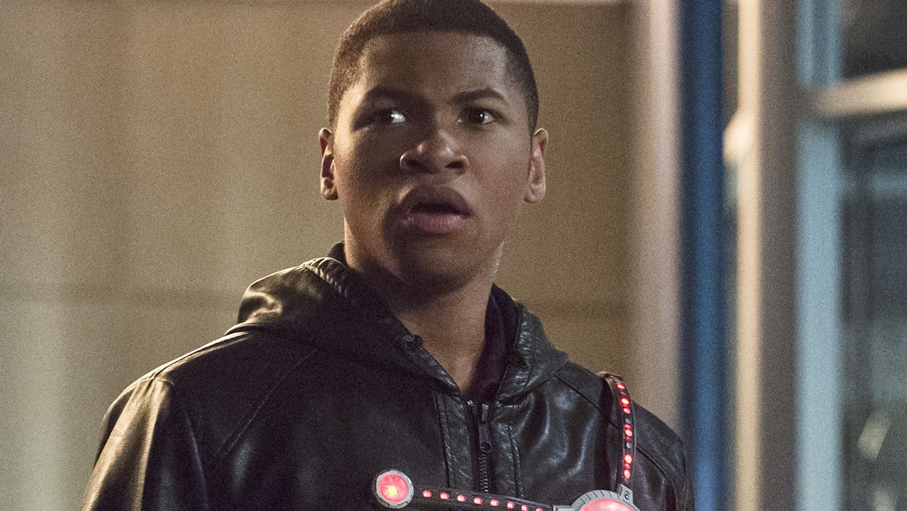 Rebooting A Hero The Story Behind The Flash S New Diverse Firestorm Hollywood Reporter
