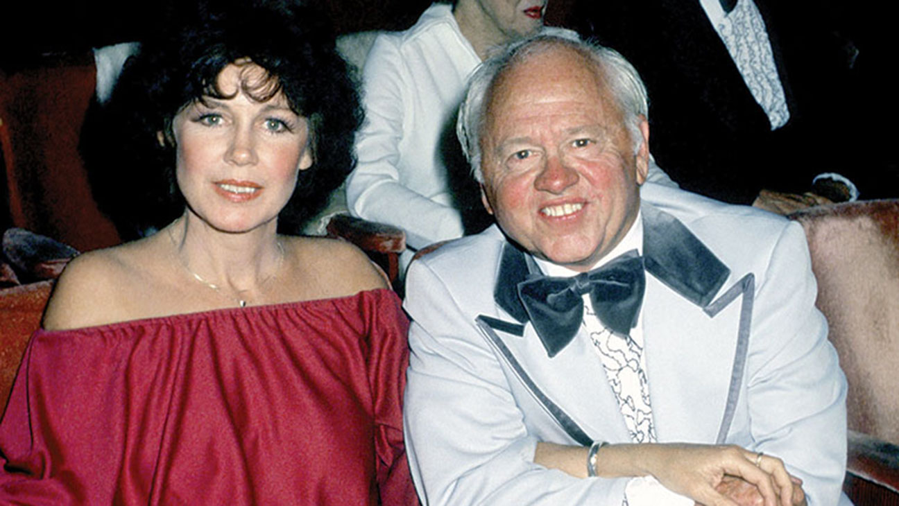 Mickey Rooney wife - H 2015
