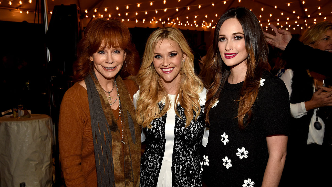 Reba_McEntire_Reese_Witherspoon_Kacey_Musgraves_ - H 2015