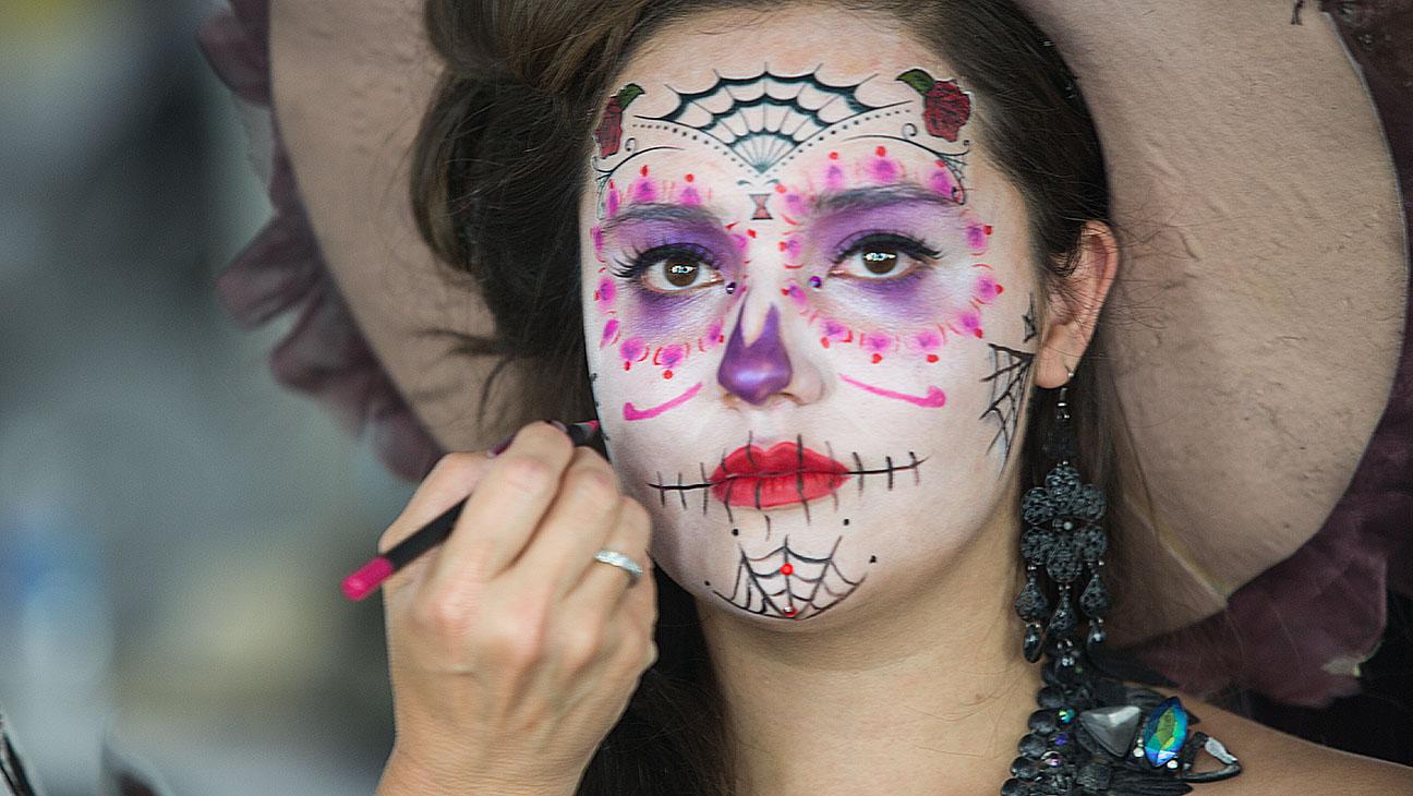 Spectre Makeup - H 2015