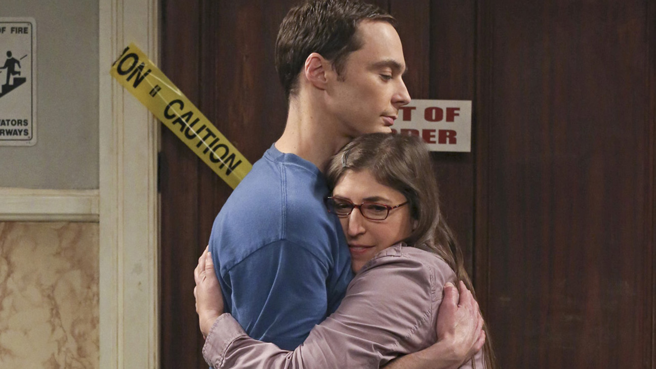 Big Bang Theory Hug - H 2015