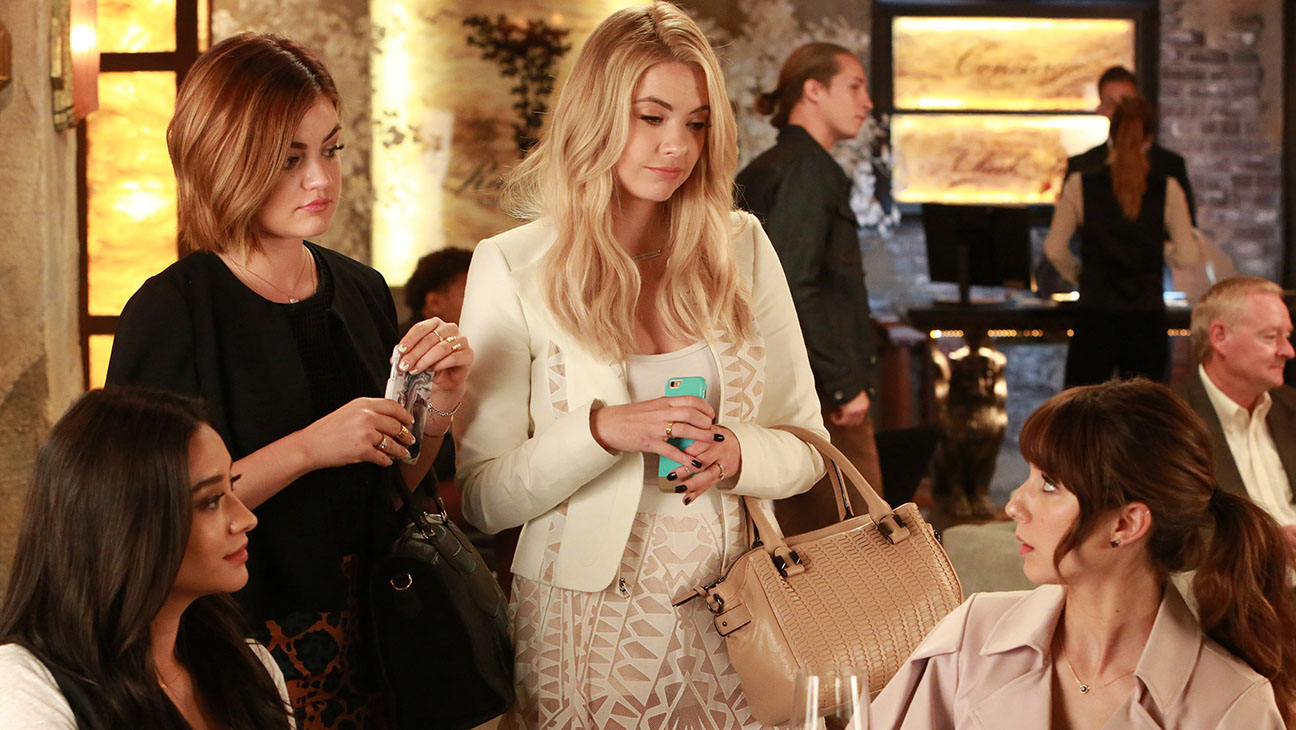PRETTY LITTLE LIARS - November 24 - H 2015