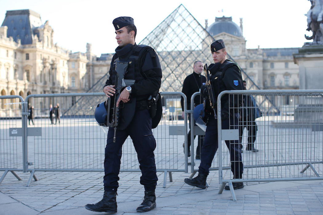 Paris Attacks Louvre H 2015