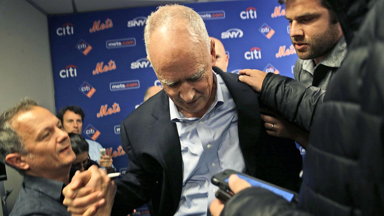 Mets GM Sandy Alderson passing out - H 2015