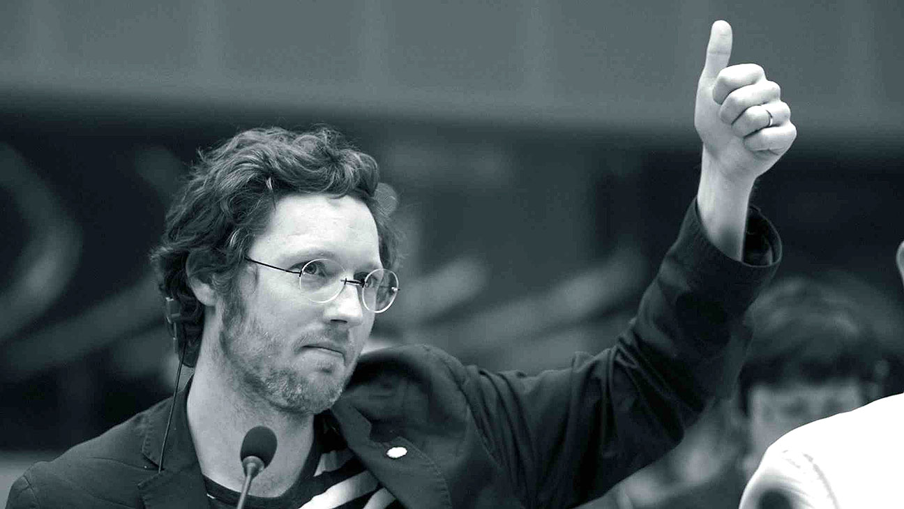 Democracy still - H 2015