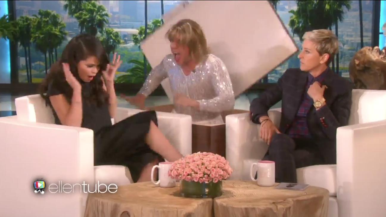 Selena Gomez being scared on Ellen - H 2015
