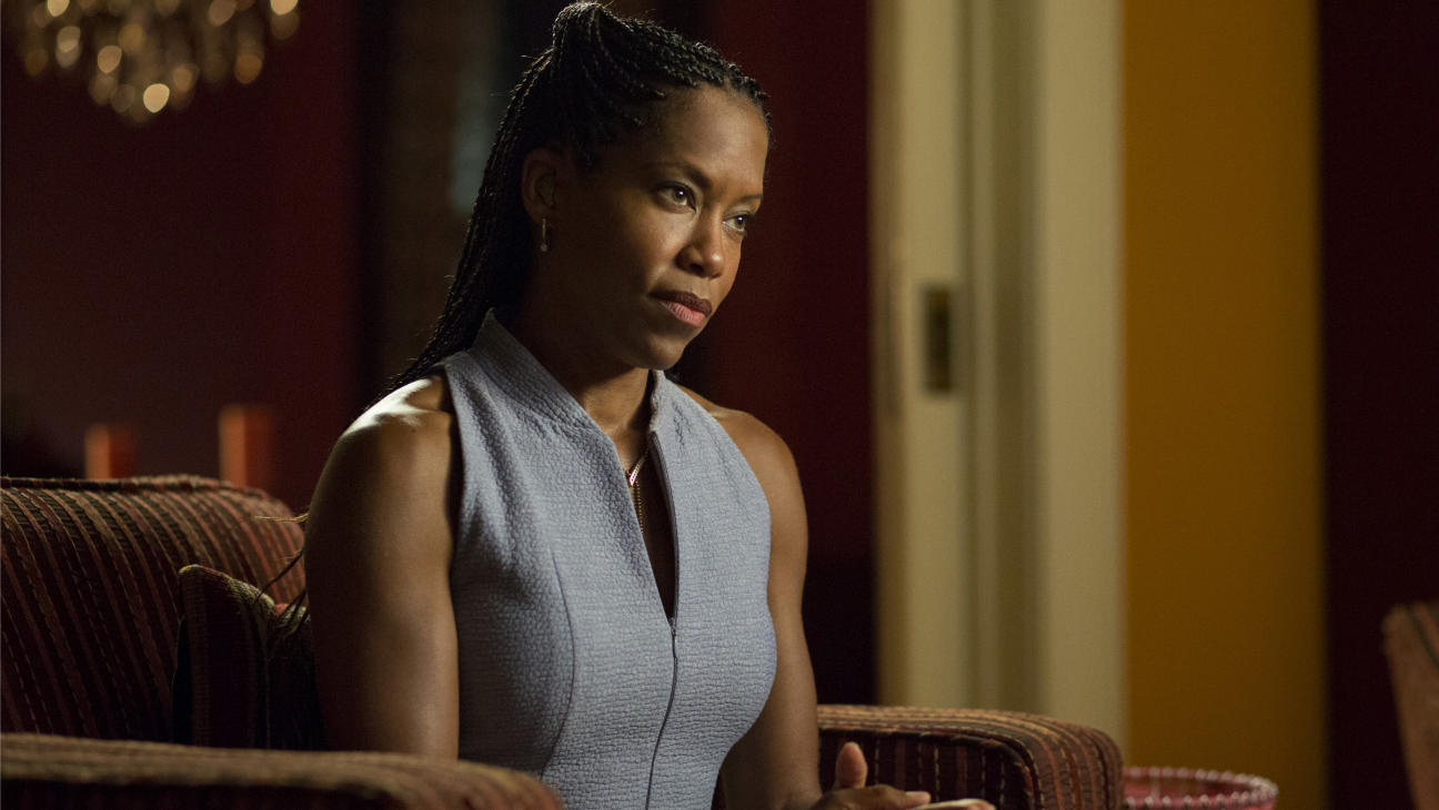 The Leftovers S2E06 Regina King - H 2015