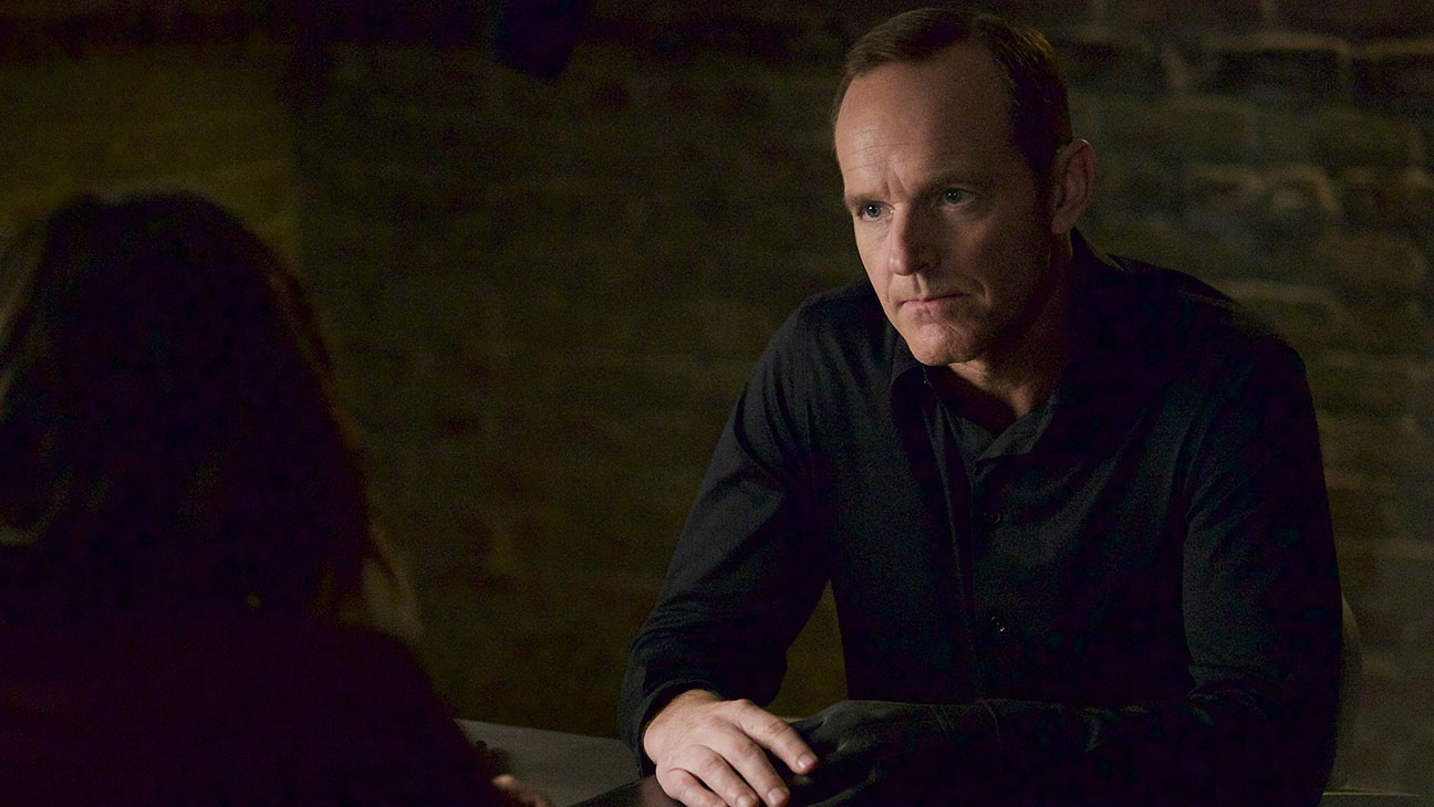 Marvel's Agents of S.H.I.E.L.D. TUESDAY, DECEMBER 1 Clark Gregg - H 2015