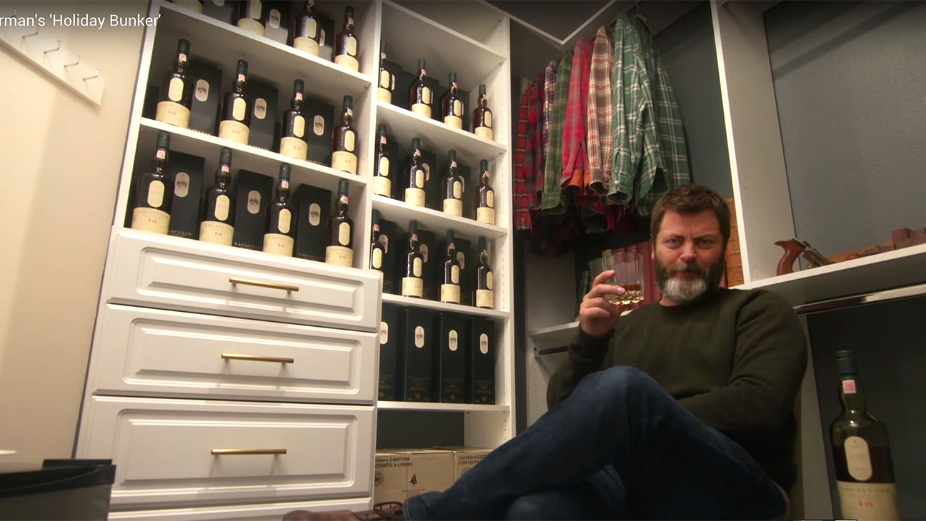 Nick Offerman's Holiday Bunker - H 2015