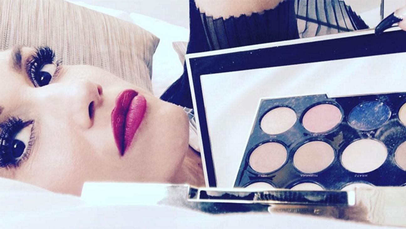 Gwen Stefani Screen Shot- H 2015