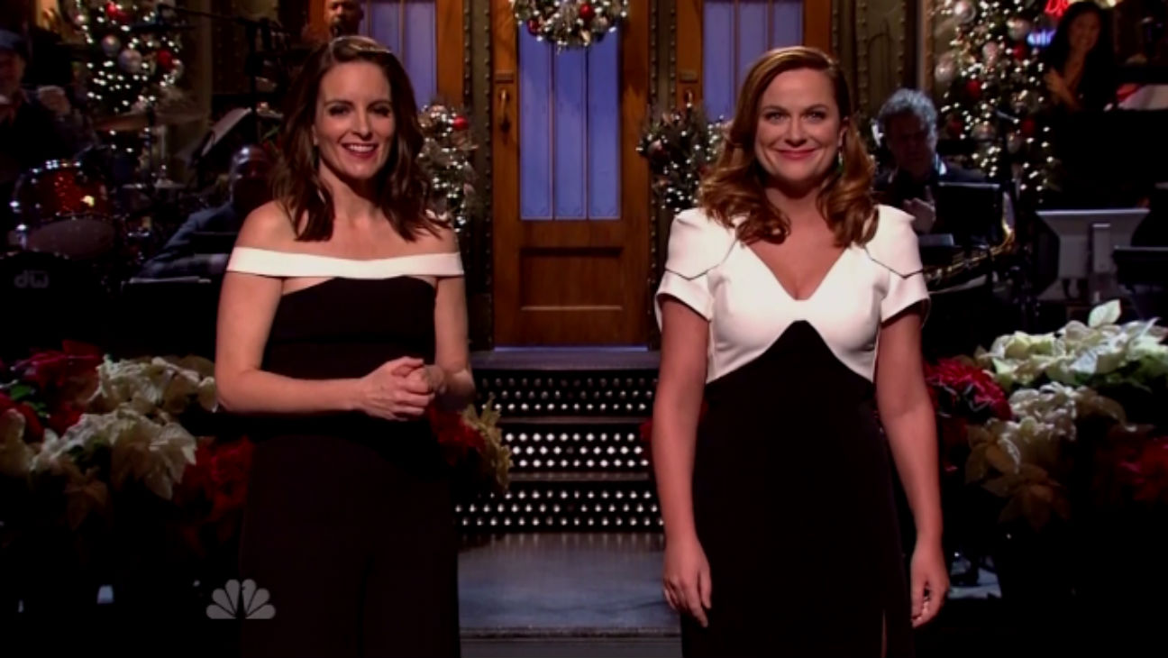 Critic S Notebook Tina Fey Amy Poehler And Bruce Springsteen Bring Holiday Joy To Snl Hollywood Reporter