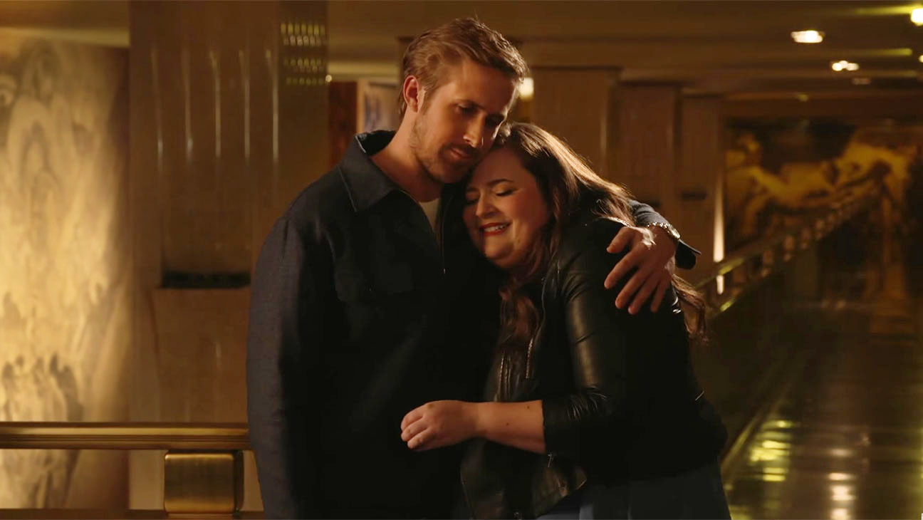 SNL Host Ryan Gosling & Aidy Bryant Wail on Their Pecs Screen Shot - H 2015