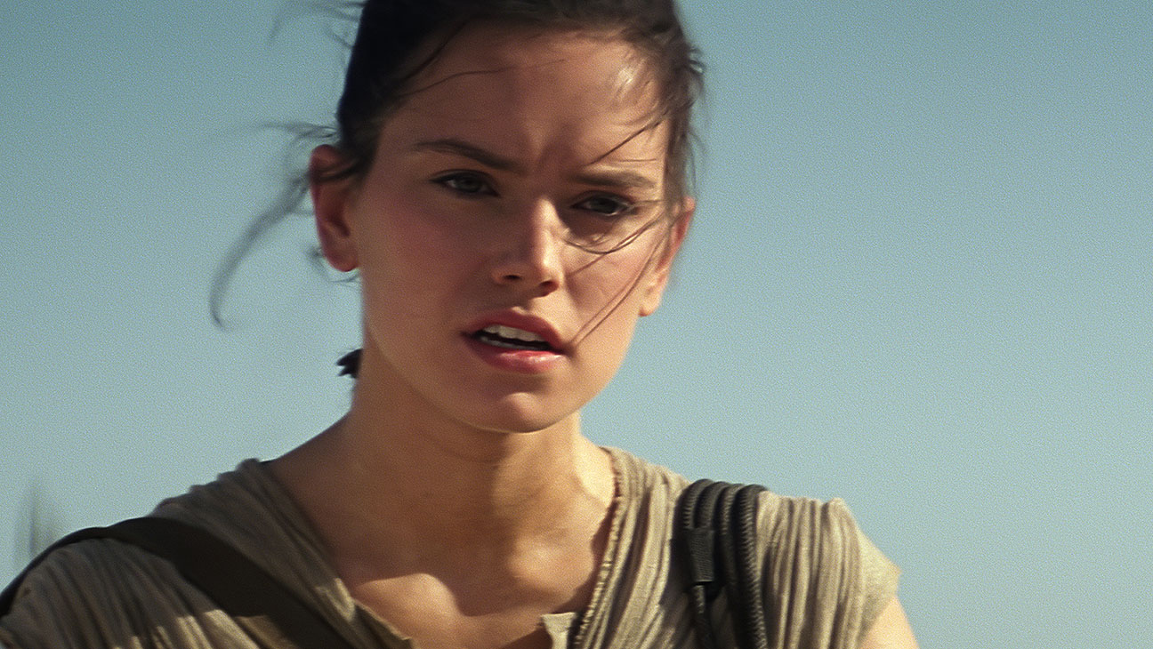 Star Wars: The Force Awakens Still 8 Daisy Ridley - H 2015