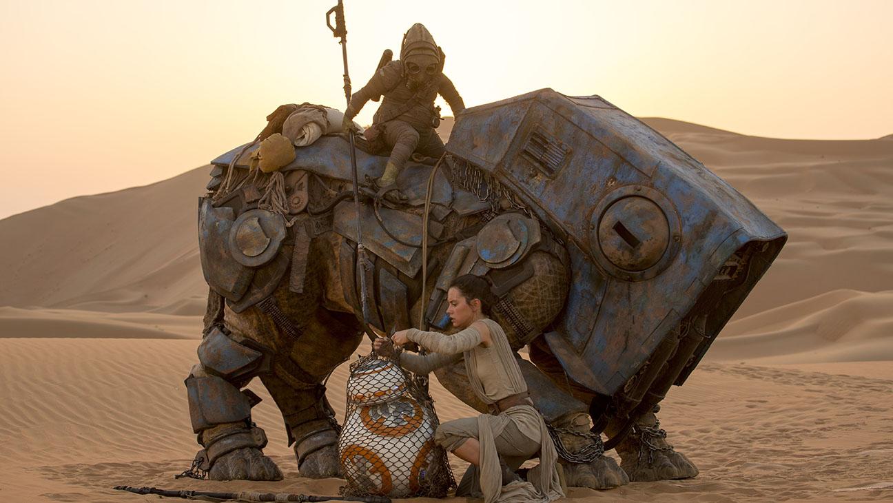 Star Wars: The Force Awakens Still 2 Daisy Ridley - H 2015