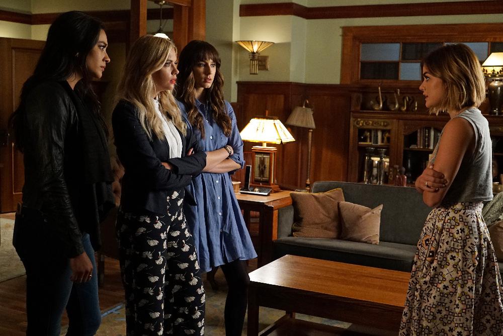 Pretty Little Liars - Aria, Hanna, Spencer, Emily
