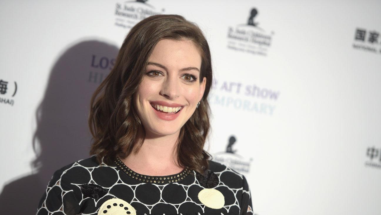 Anne Hathaway L.A. Art Show - H 2016