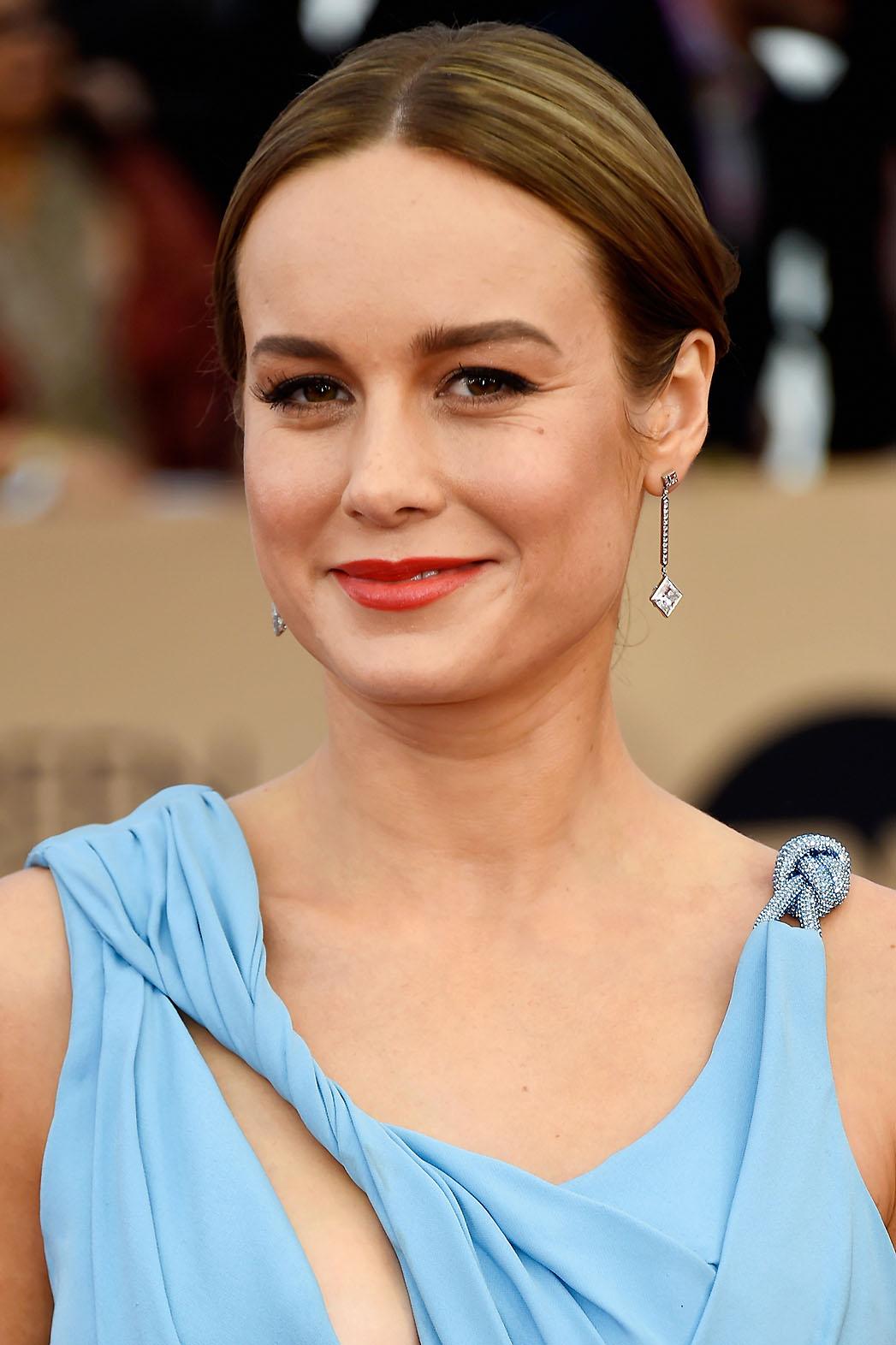 Brie Larson 22nd Annual Screen Actors Guild Awards makeup - P 2016
