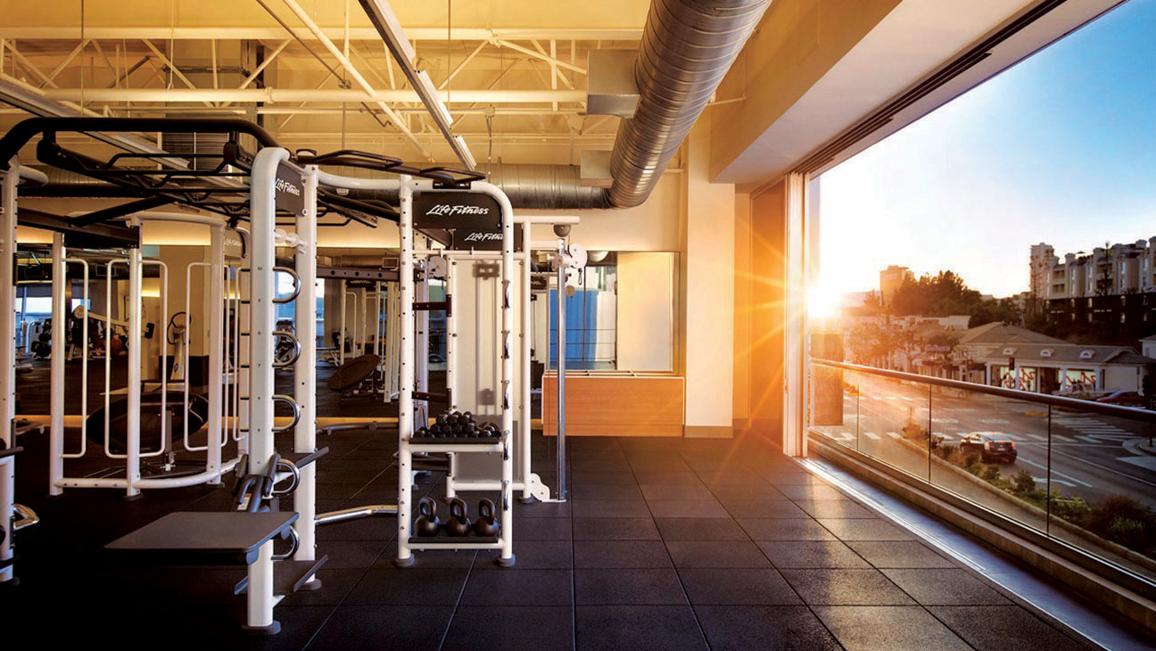 EQUINOX - Hollywood Execs Get in Top Fighting Shape - H 2016