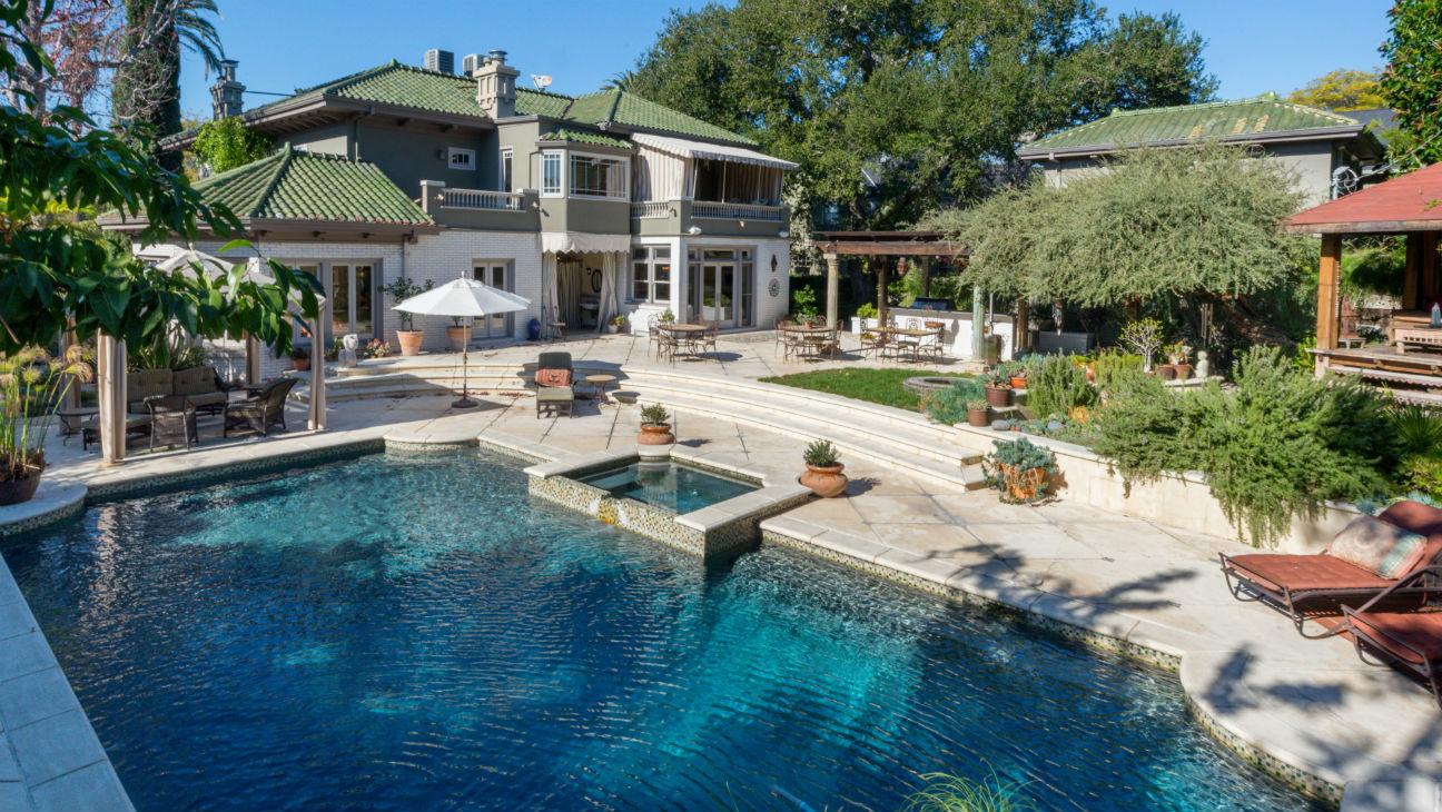 Tony Shalhoub home for sale - H