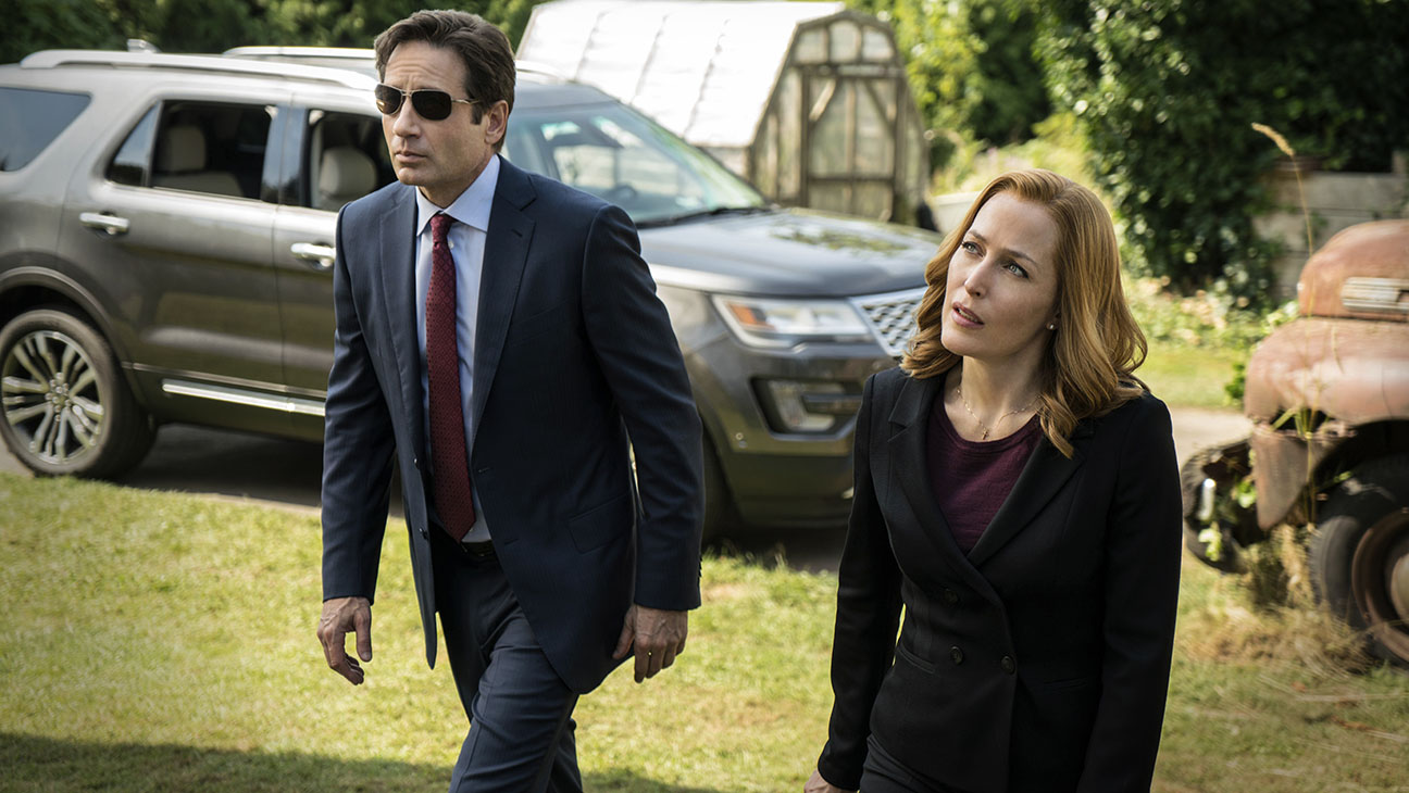 THE X-FILES:  David Duchovny and Gillian Anderson in the season premiere part 2 - H 2016