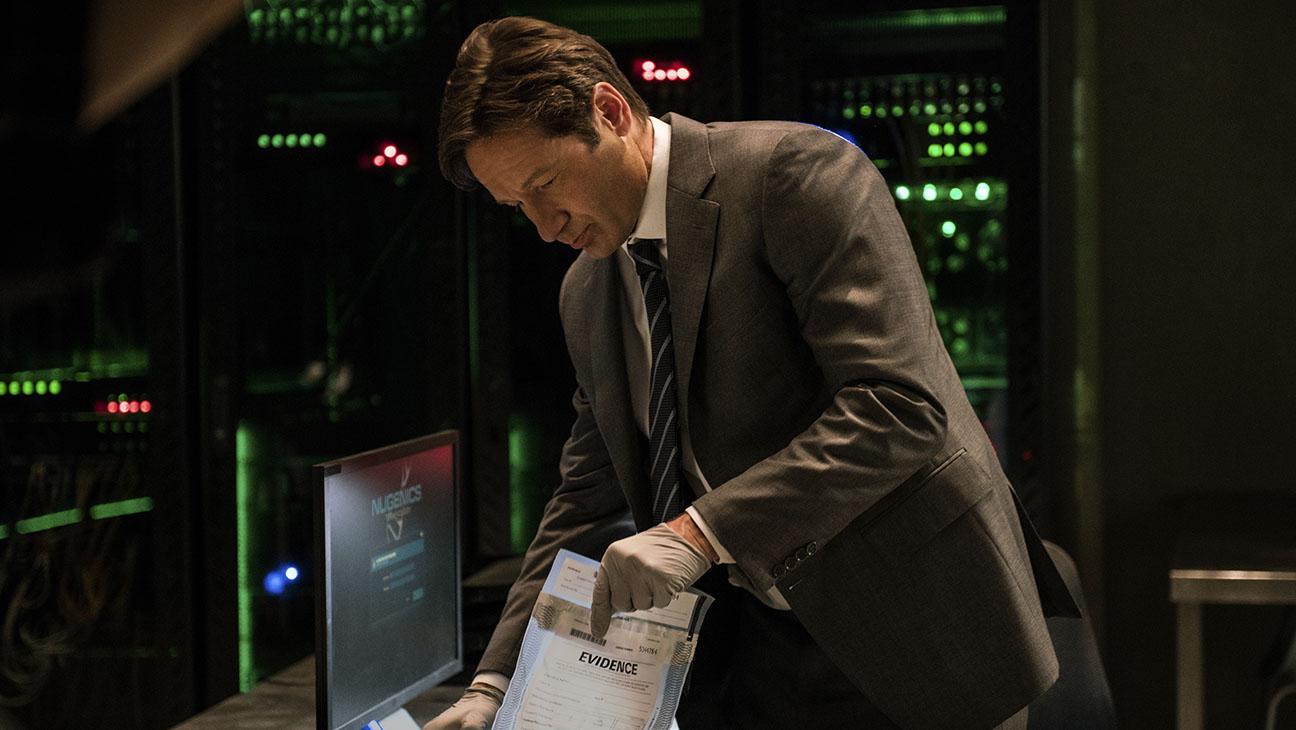 X-Files S01 Premiere Still 7 - H 2016