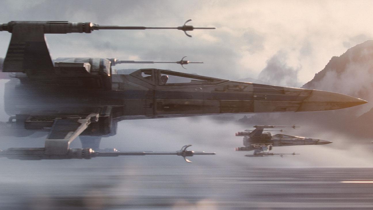 VFX STAR WARS THE FORCE AWAKENS still 2 - H 2016