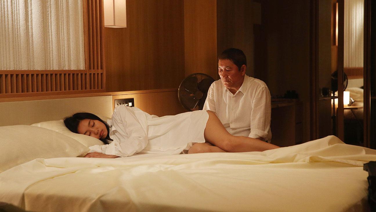 While the Women Are Sleeping still 1 - Shioli Kutsuna and Beat Takeshi - H 2016