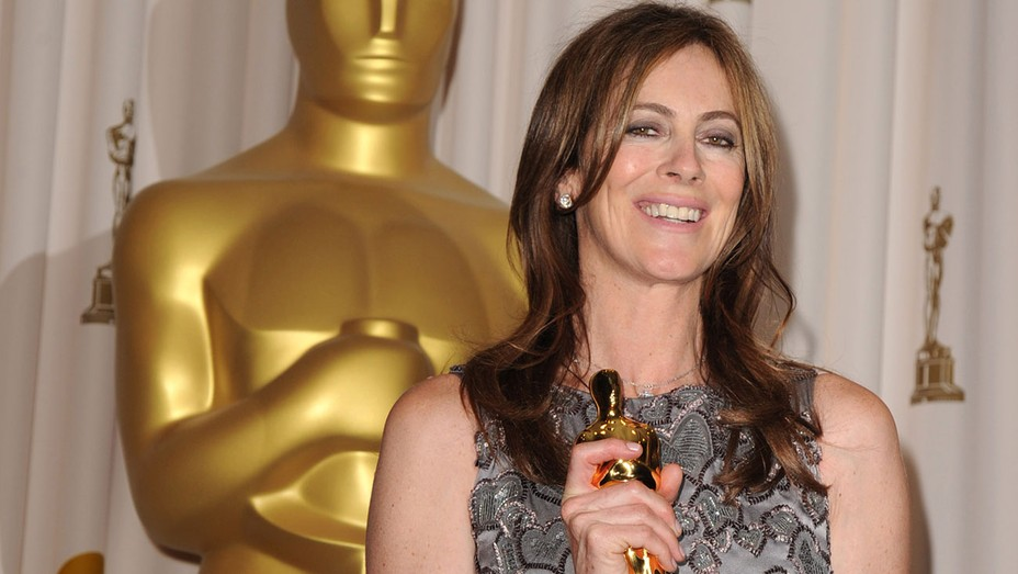 Kathryn Bigelow and holding Oscar- H 2016