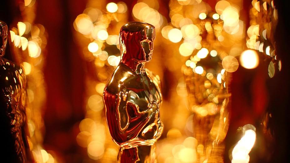 Oscar Statues - H 2016