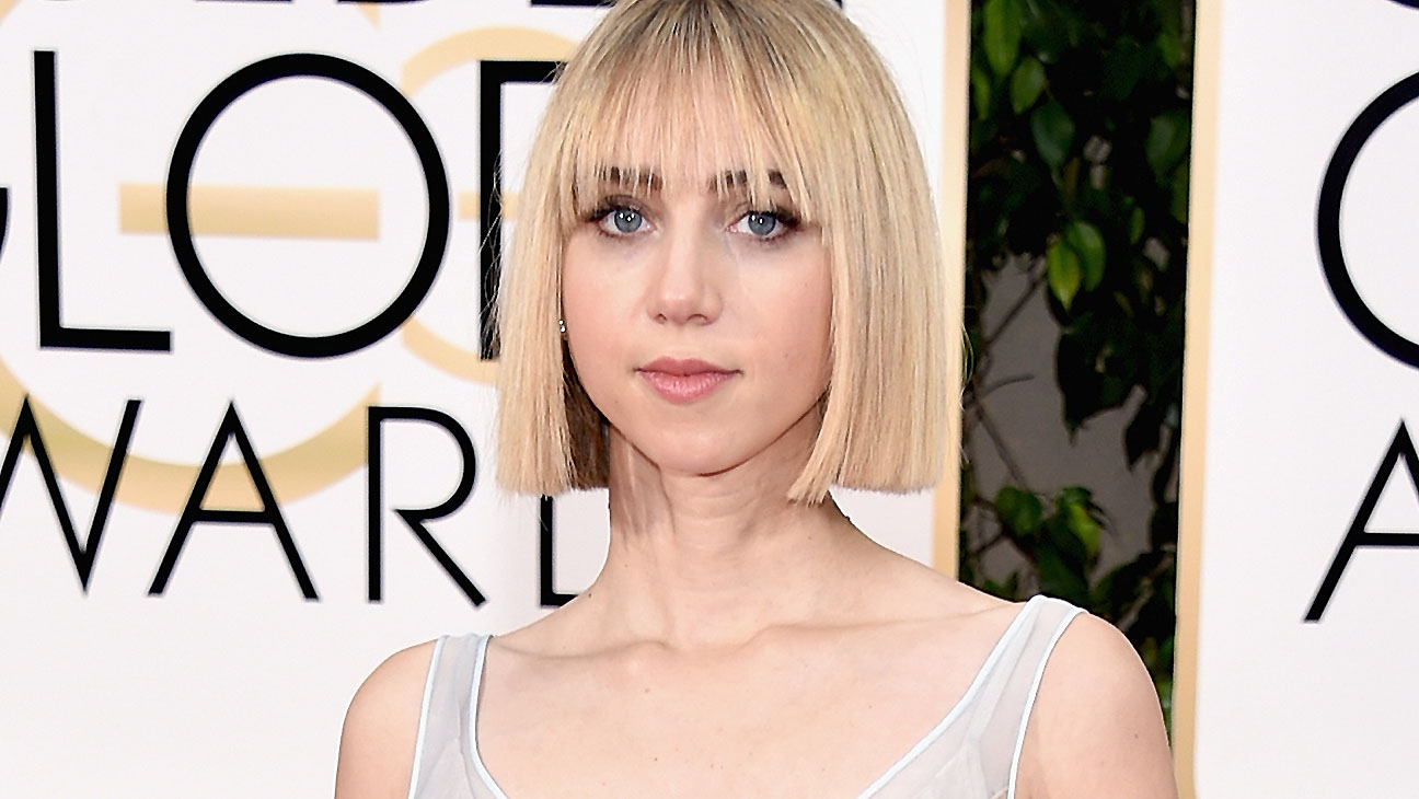 Zoe Kazan Golden Globe Awards - H 2016