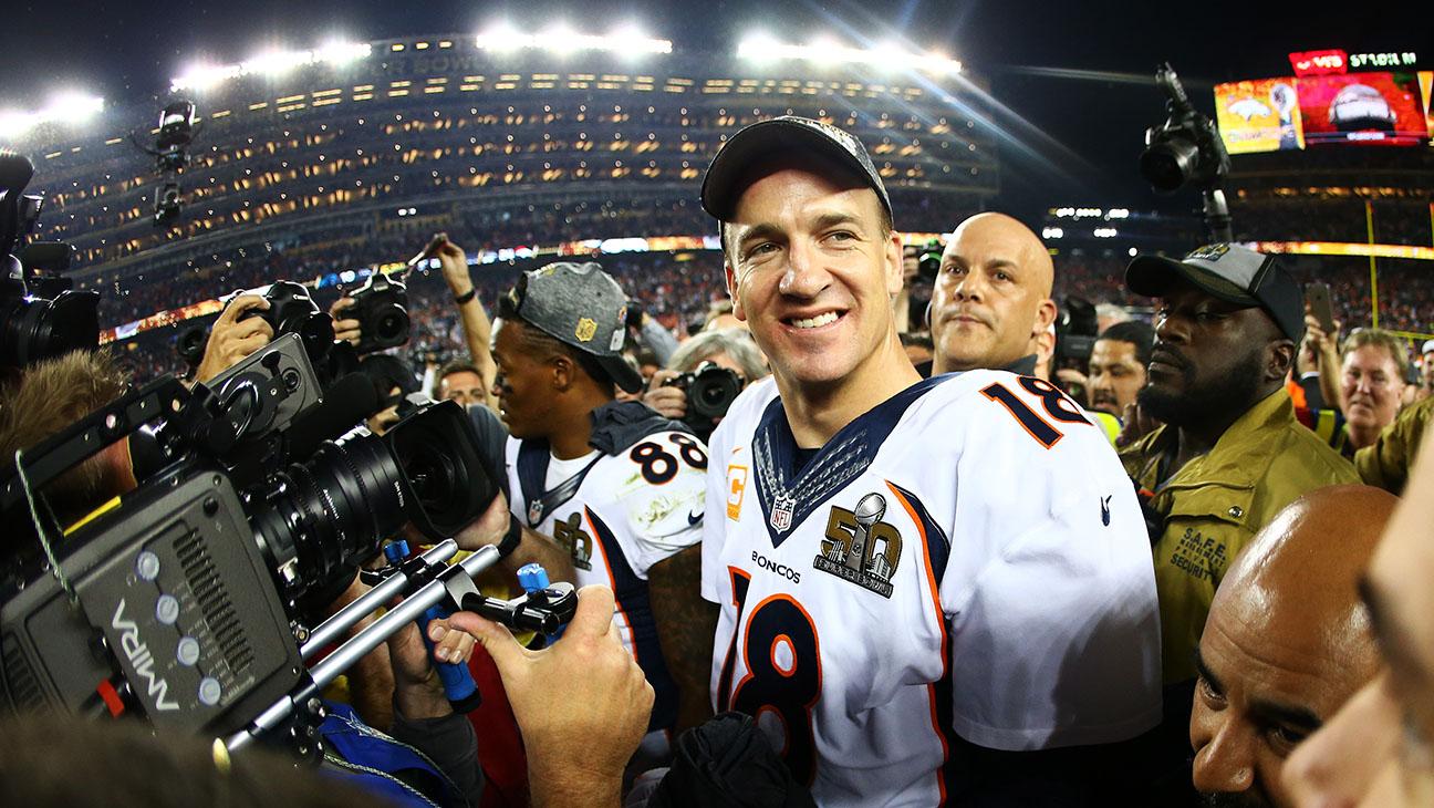 Peyton Manning Denver Broncos celebrates Super Bowl 50 - H 2016