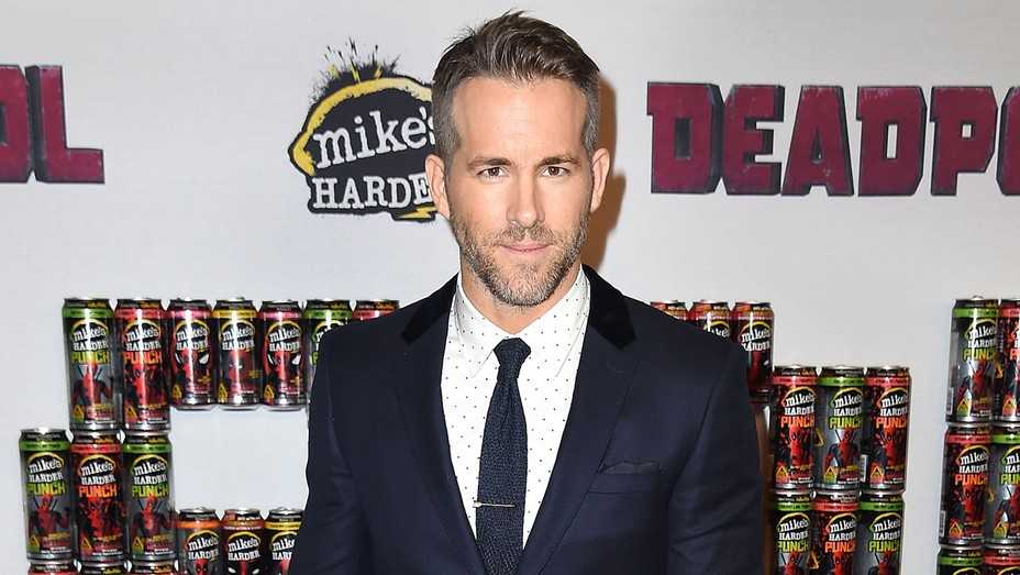 Ryan Reynolds - Getty - H 2016