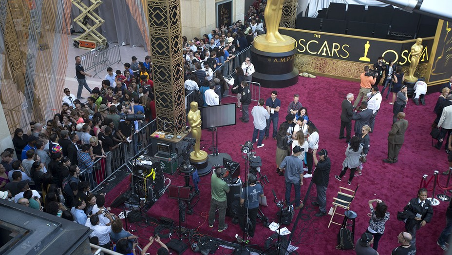 Members of the press prepare for red carpet coverage -88th Annual Academy Awards -Getty- H 2016