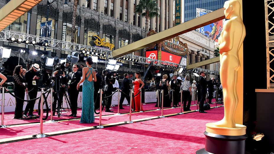 Red carpet before the 88th Annual Academy Awards February 28, 2016 - H 2016
