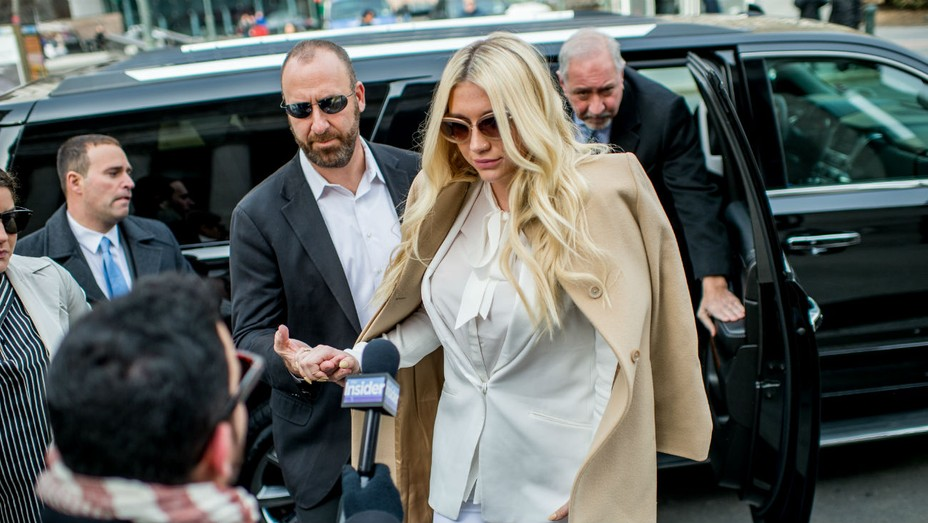 Kesha at Court - Getty - H 2016