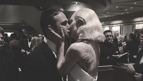 Lady Gaga Kiss Instagram H 2016