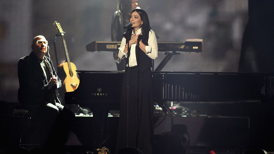 Lorde Brit Awards - Getty - H 2016