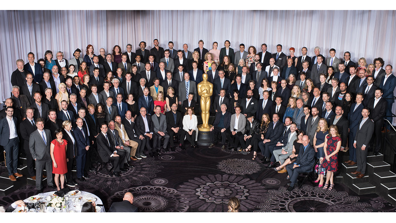 <p>Nominees Luncheon Group Shot - H 2016</p>