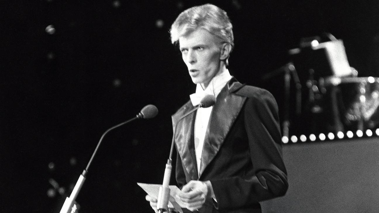 David Bowie Grammys - H 2016