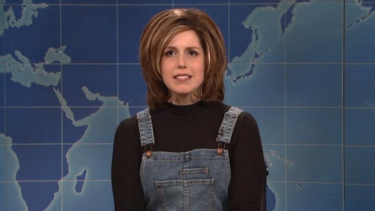 Vanessa Bayer as Rachel Friends on SNL - H 2016