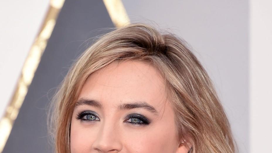 Saoirse Ronan Missmatched Earrings - P 2016