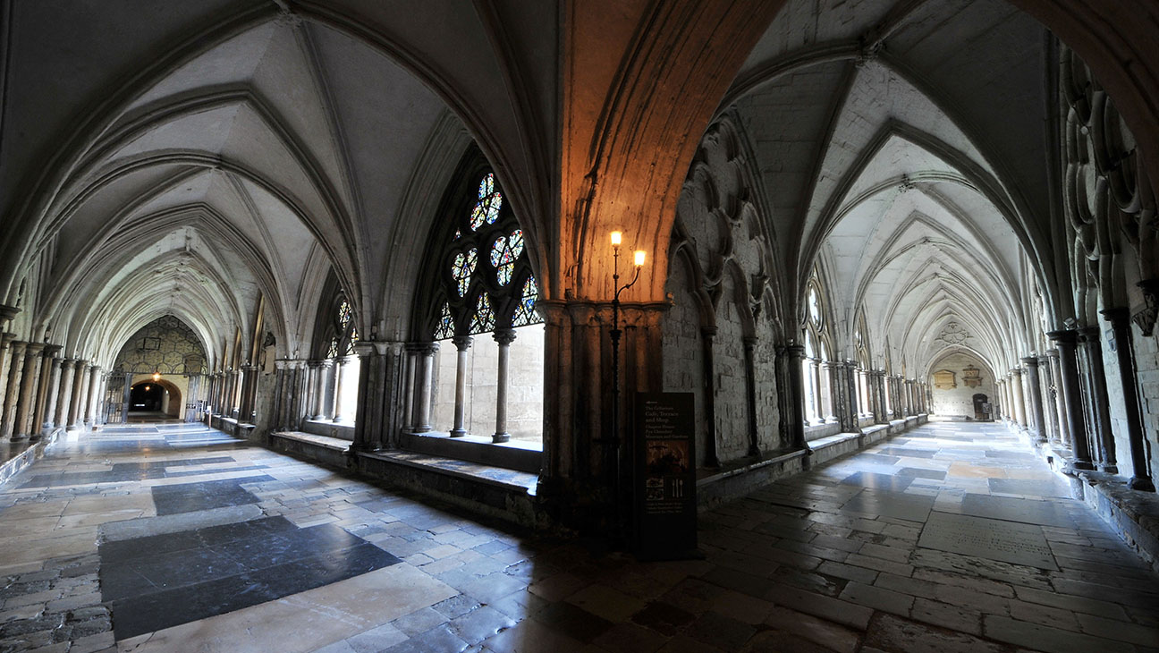 WESTMINSTER_ABBEY_Cloister Gucci - H 2016