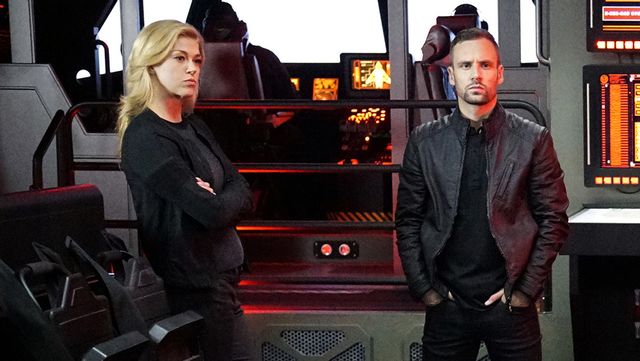 Agents of SHIELD Adrianne Palicki Nick Blood  - H 2016