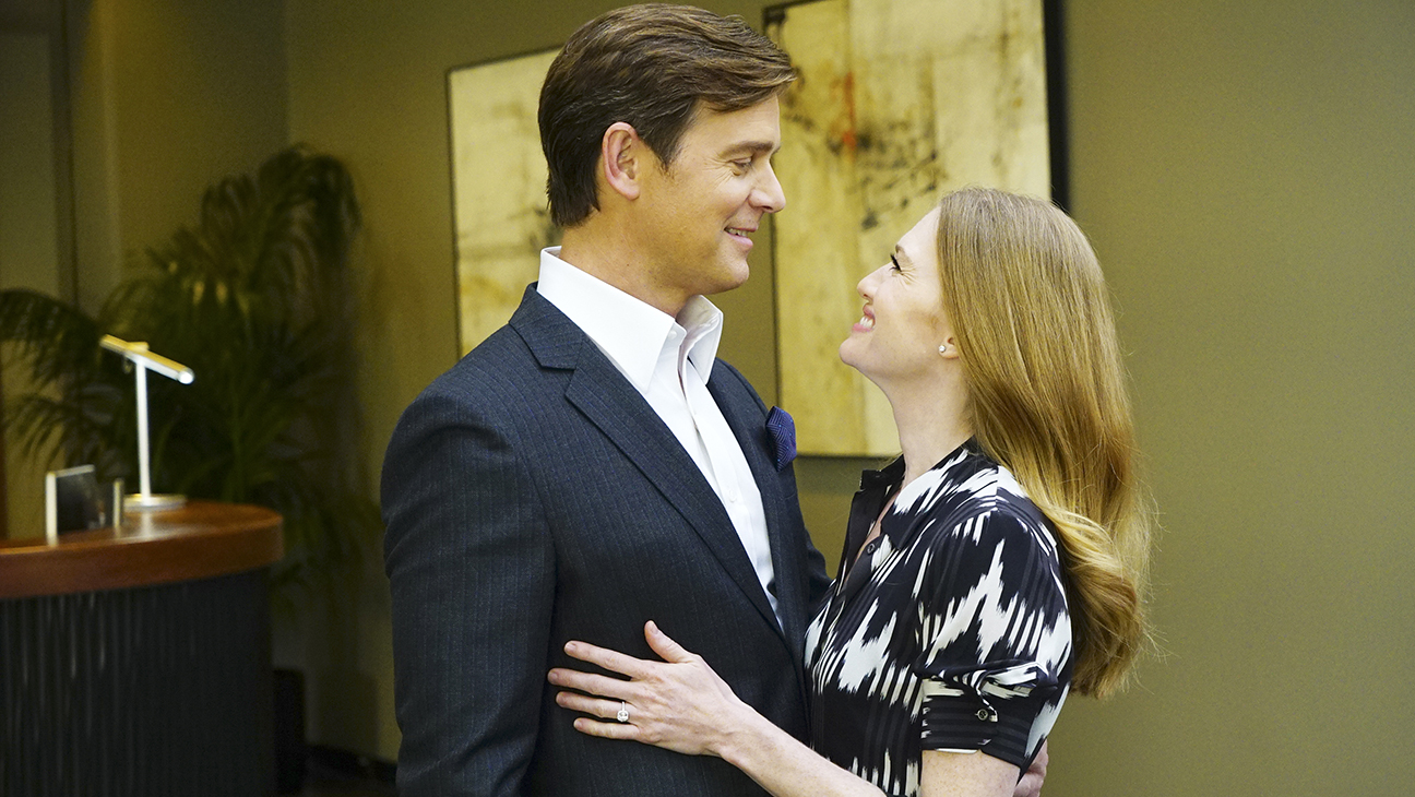 Mireille Enos and Peter Krause 'the catch' - H 2016